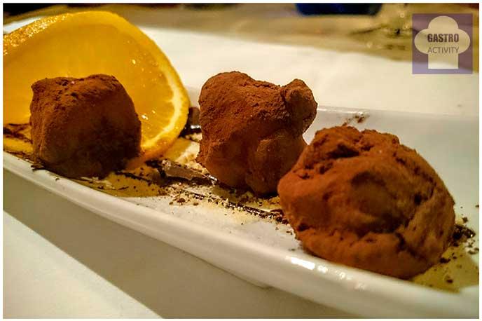 Trufas al ron con naranja restaurante El Ruedo Candelario Salamanca