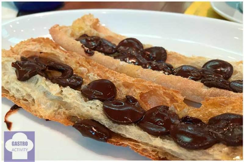 Pan con chocolate, aceite y sal El 300 del Born Barcelona