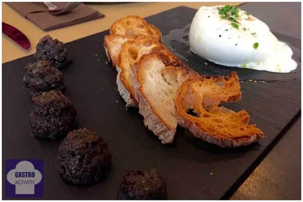 Burrata con confitura de hongos Top Ten Restaurante Madrid