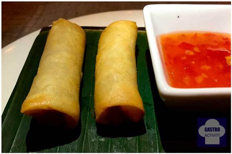 Rollitos Namit de verduras Namit Gastrobar comida filipina Madrid