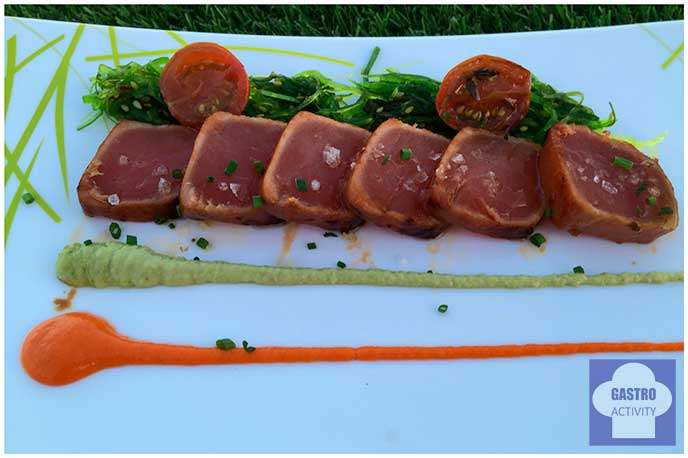 Tataki de atun con mojo rojo y mojo verde Terrraza de Sabatini Madrid