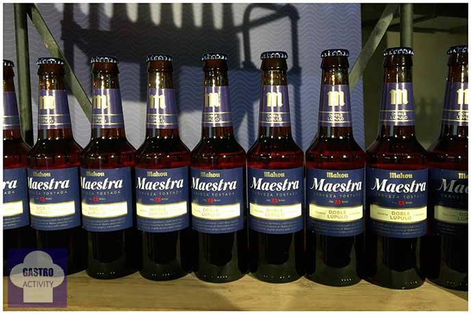 Botellas de Cerveza Maestra de Mahou