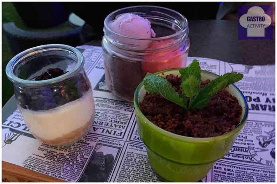 Maceta de Brownie Tarta de Queso en tarrito Surtido de helados Terraza de Sabatini Madrid