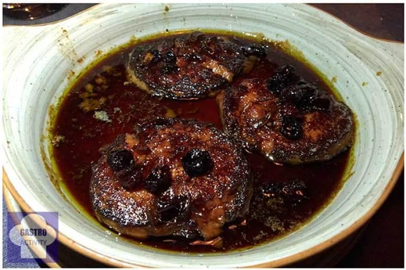 Foie caliente con reducción al Pedro Ximenez Restaurante Los Montes de Galicia