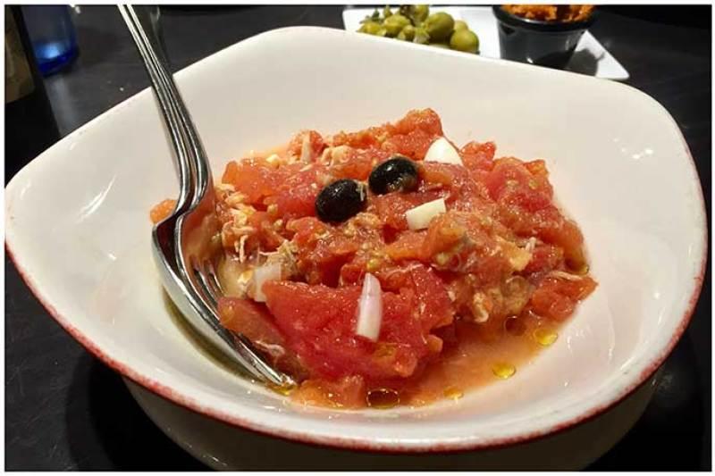 Ensalada murciana de tomate restaurante El Caldero