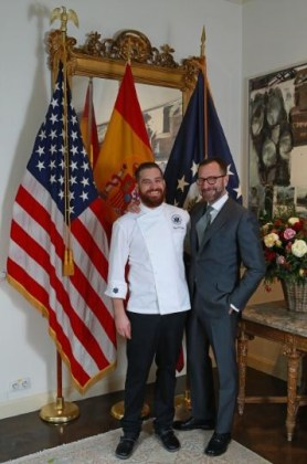 Let´s go for dinner with Byron Hogan y James Costos