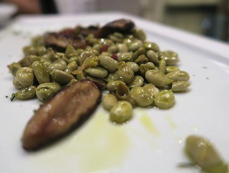 Habitas salteadas con jamon y foie Restaurante La Clave Madrid