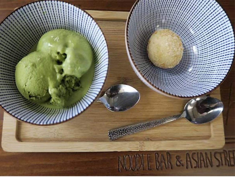 Helado de te verde y Mochi de te verde Ramen Shifu restaurante japones de ramen