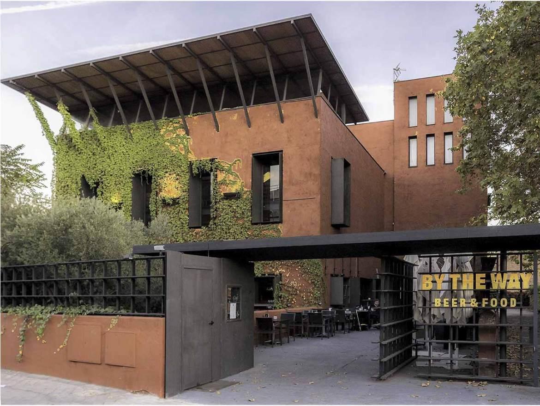 By The Way Restaurant & More Fachada y terraza