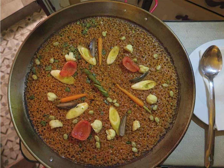 Paella de Verduras de temporada Arrocería en La Latina Madrid La Antigua casa de la Paella