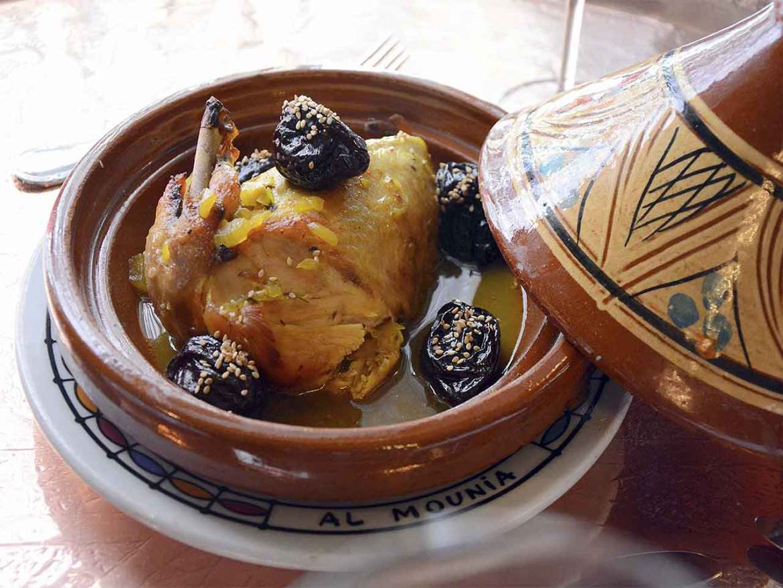 restaurante marroqui AL-MOUNIA Madrid Tajine de Pollo con Ciruelas