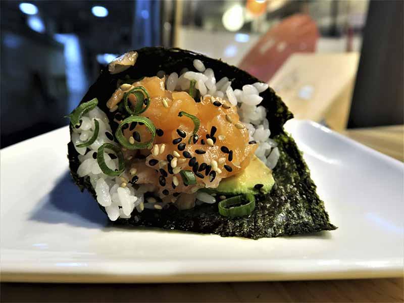 Temaki de Salmón Sushi en Bici comida japonesa