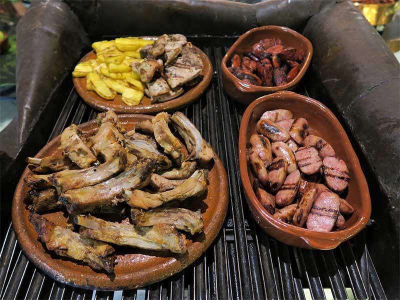 Feijoada de Rubaiyat chorizo bacon costillas
