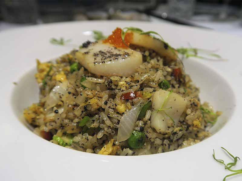 Restaurante The One arroz al wok con vieiras y trufa