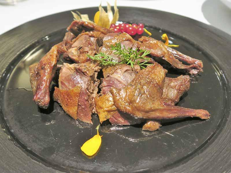 Restaurante The One Pichon con salsa de soja