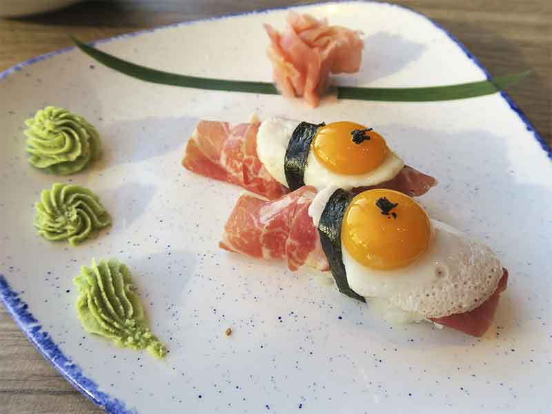 Restaurante Miss Chen en Valdebebas Madrid nigiri huevo codirniz jamon