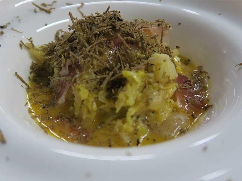 Restaurante Tres por Cuatro Col en carbonara de Papada Joselito y trufa negra