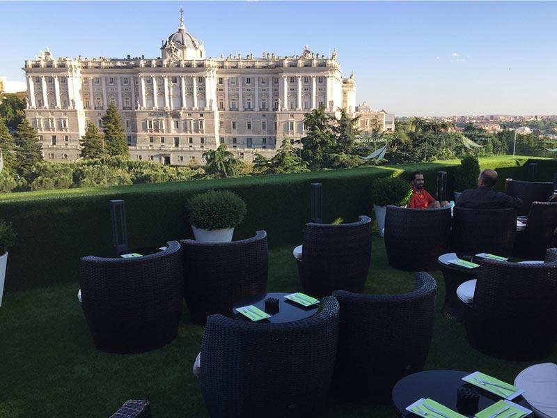 Comer cerca del Palacio Real Terraza de Sabatini