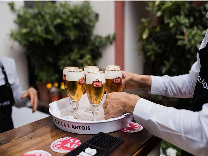 Stella Artois bandeja de cervezas