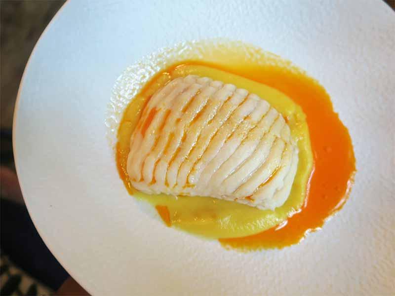 Restaurante Lua de Madrid Raya en caldeirada con crema de ibericos