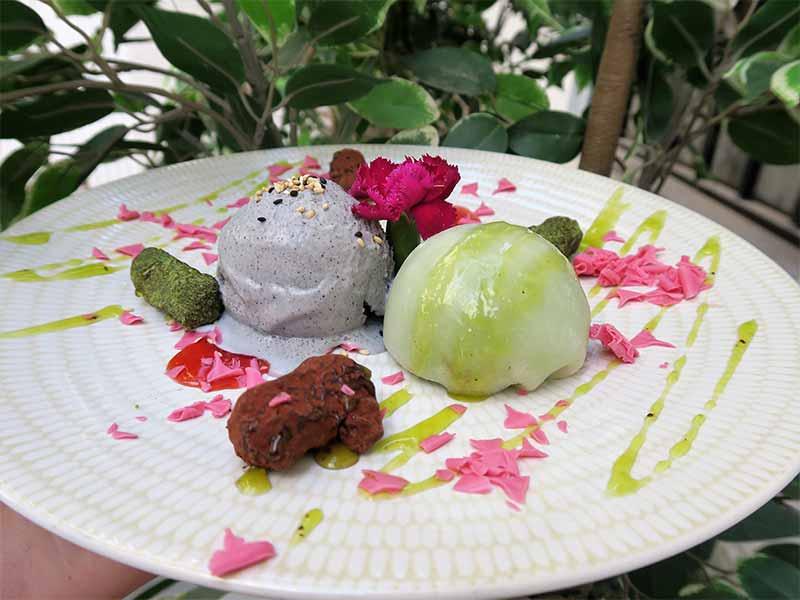 Restaurante Kiboka mochy helado de sesamo