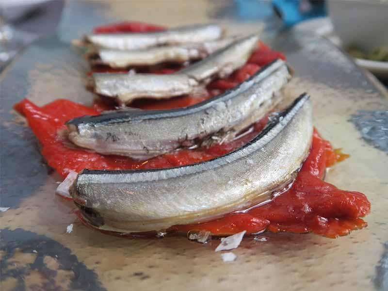 Le Qualite Tasca Relanzaon con pimientos asados