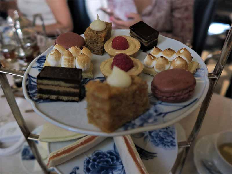 Tomar el te en Madrid Hotel Heritage merienda dulce y salada