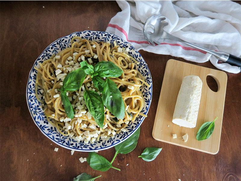 Spaghetti alla Nerano con calabacin y albahaca