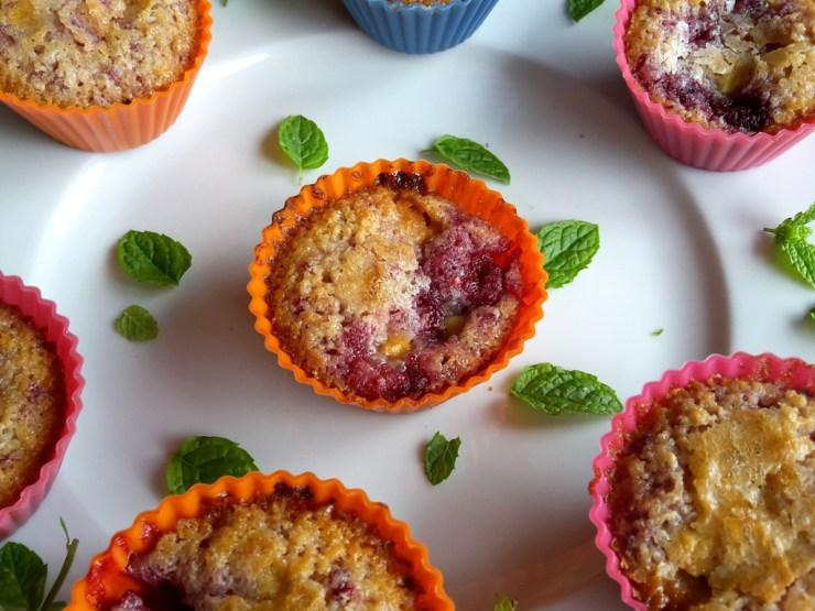 hindbærmuffins med hvid chokolade (5)
