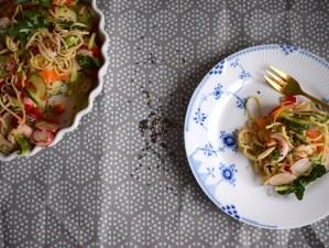 spicy nuddelsalat med rejer