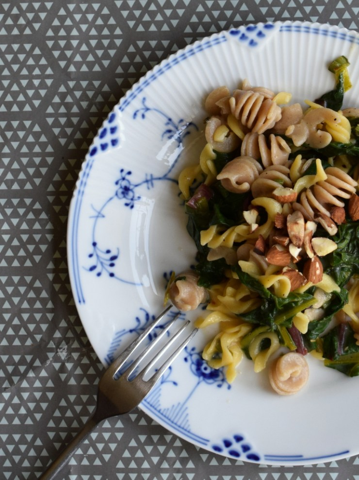 bladbeder, silverbeets, pasta, low fodmap, gastroequation, mandler, parmesan, vegetar, vegetarian, easy food