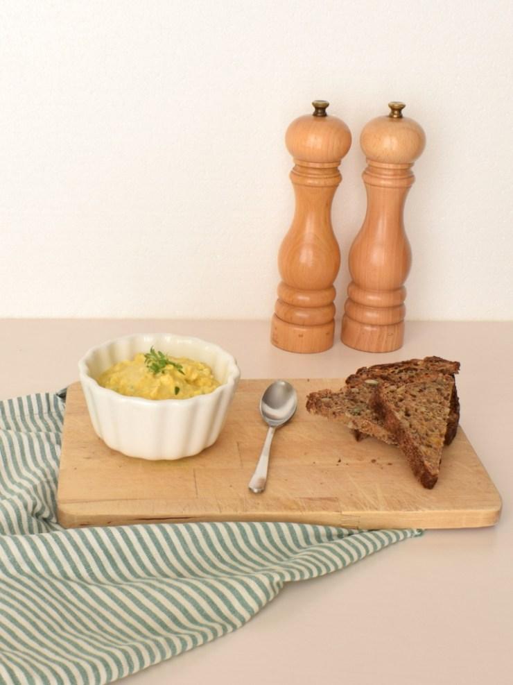 æggesalat med karry