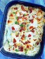 Kålfad med kylling, flødesovs og bacon