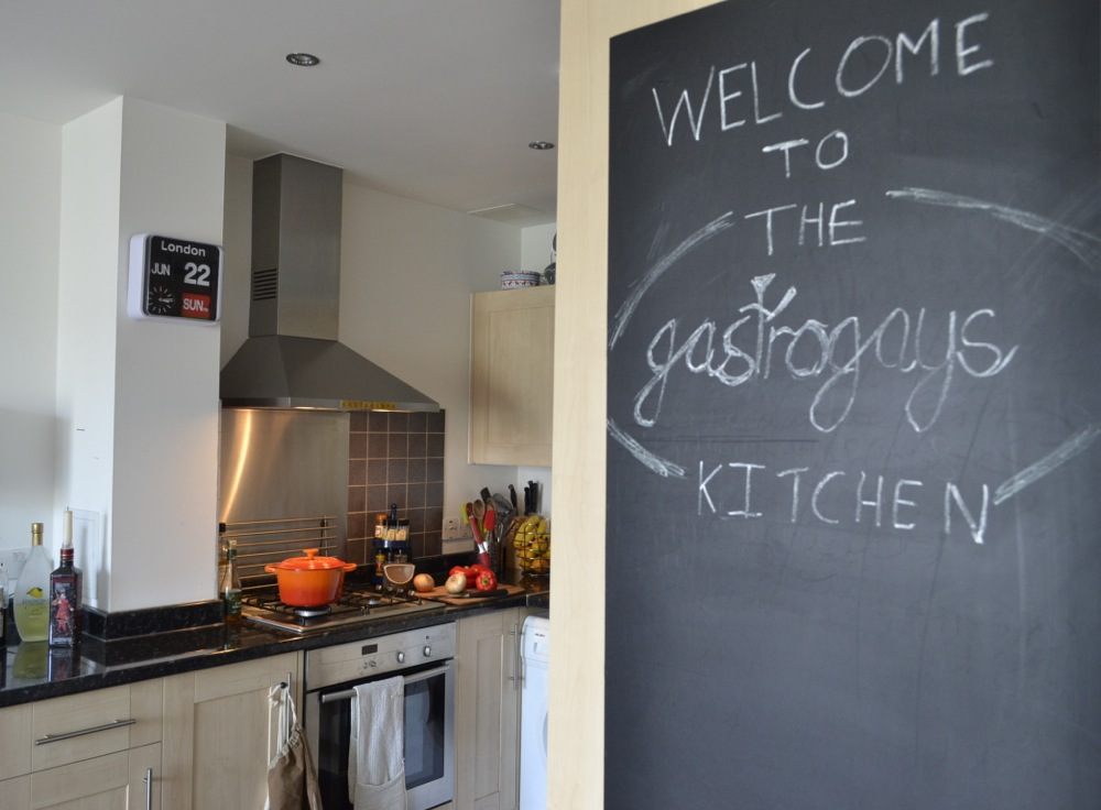 kitchen, interior design, blackboard, gastrogays, Le Creuset, apartment living