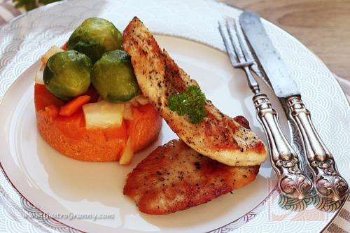 Natur csirkemell zöldségekkel, sütőtökkel