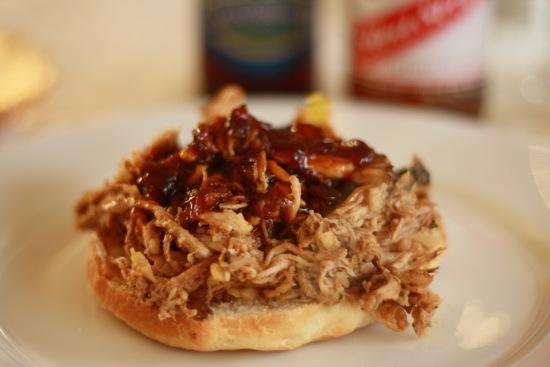 Hvordan Laver Man Pulled Pork På Gasgrill : Pulled pork burger den ultimative grillopskrift gastromand