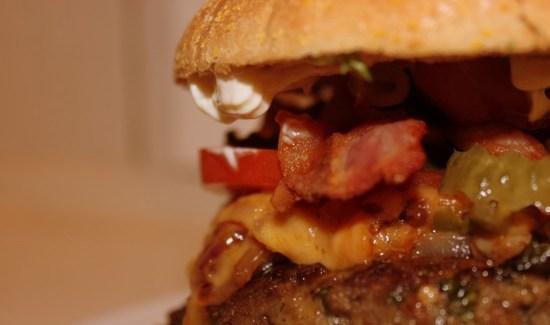 Klassisk Gastromand-burger – bedre bliver hjemmelavet burger ikke