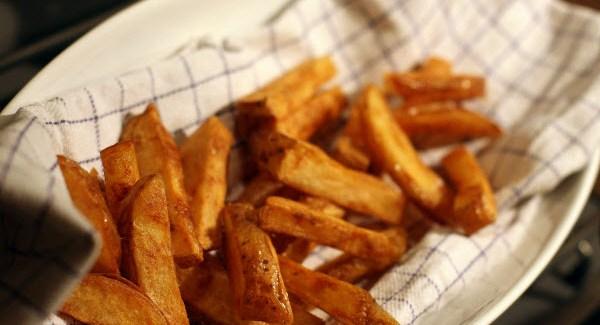 Hjemmelavede pommes frites – perfekte Triple cooked fries