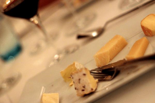 8 lækre danske oste inden vores afsluttende dessert...