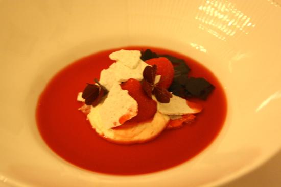 Marengs og jordbær. Det sikre valg, men bestemt lækkert.