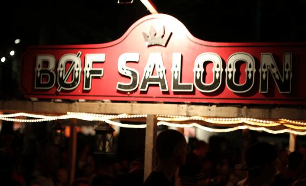Bøf Saloon...