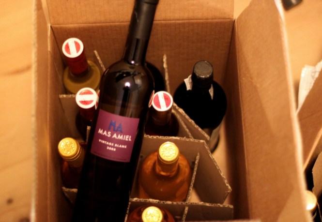 1 kasse vin ankommer til Korfitsvej...