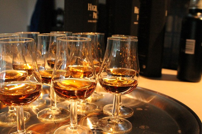 Velkomstwhisky i form af Dark Origins.