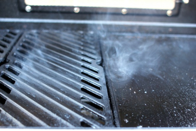 Der venter dig en helt anden oplevelse på den varme støbejernsrist...