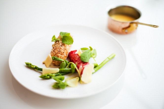 Farseret kylling og stegt hummer - Foto: Rasmus Flindt Pedersen
