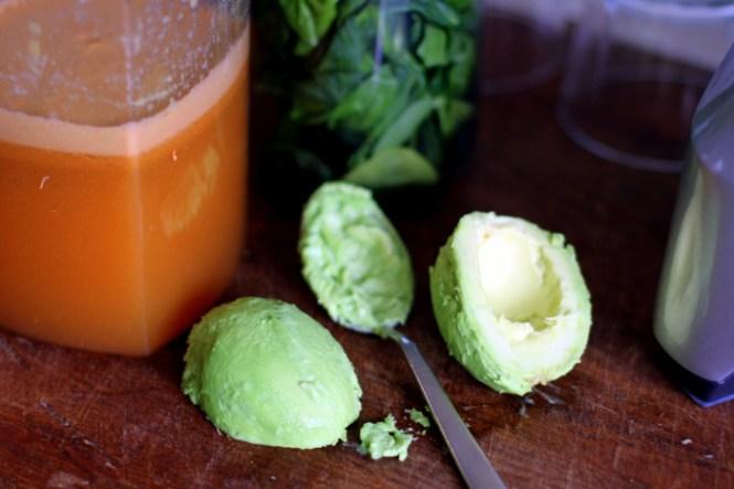 Friskpresset gulerods- og æblejuice...