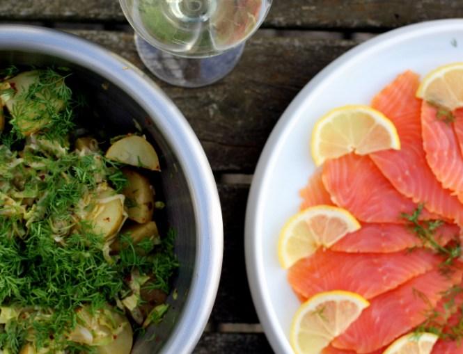 Kartoffel/Kålsalat og laks...