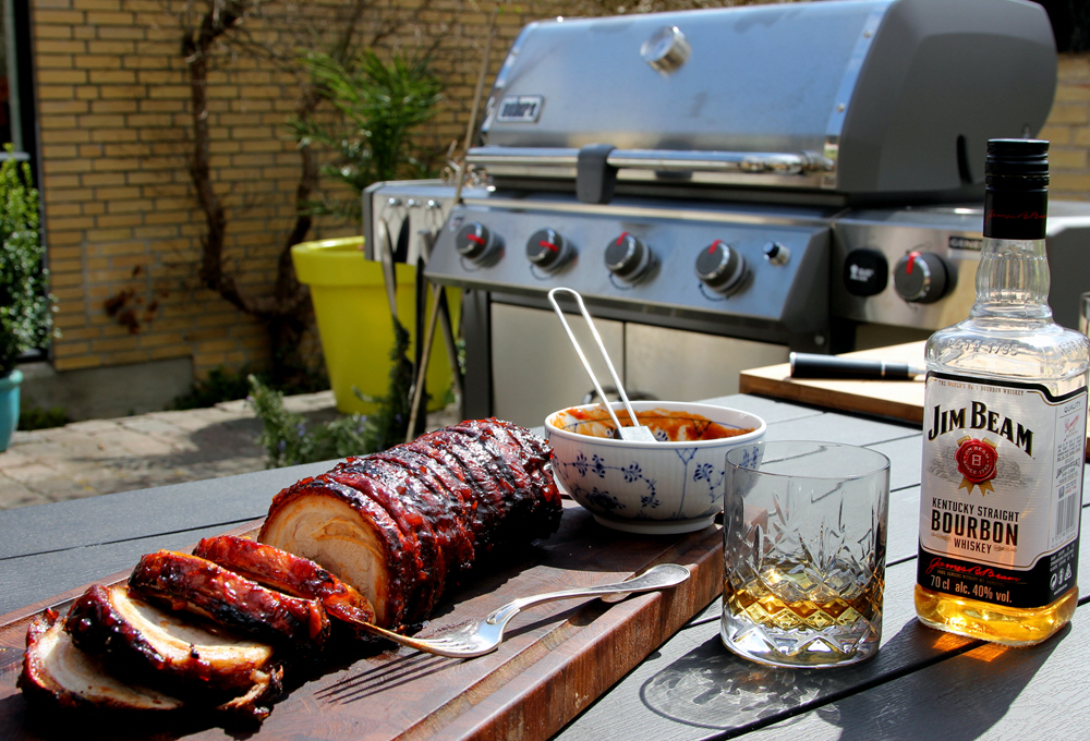 Pulled Pork På Gasgrill Q300 : Porchetta møder pulled pork: resultatet er en grill genialitet