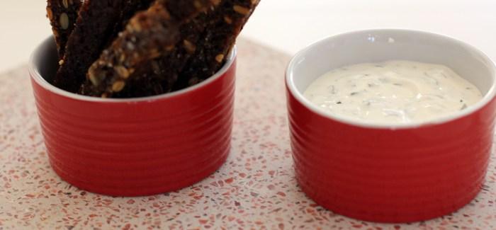 Gastromand elsker krydderurter: Lynhurtig ramsløgsdip