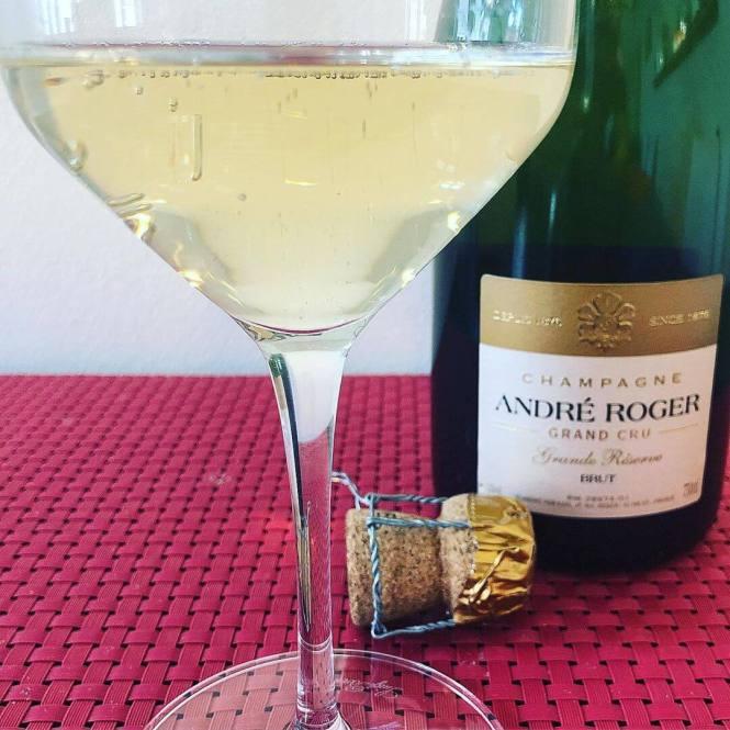 Champagne i hvidvinsglas